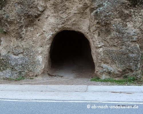 Tunnel zum Wanderweg Mirador de la Buitrera